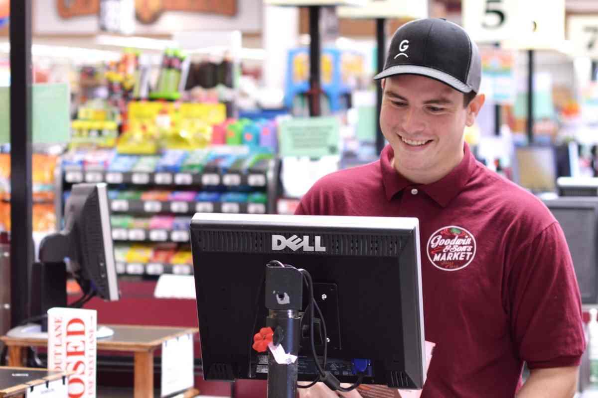 lowongan kerja staff penjualan toko